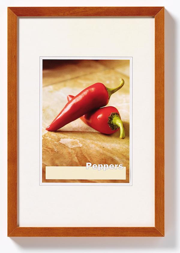 holz bilderrahmen peppers 50x70 nuss von walther design. Black Bedroom Furniture Sets. Home Design Ideas